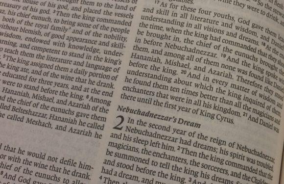 Bible open to Daniel 2